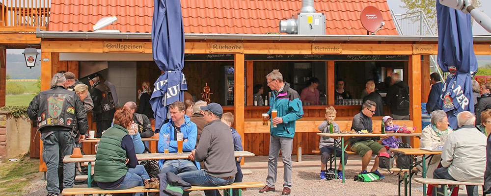 Der SB-Bereich im Biergarten Grohnder Fährhaus